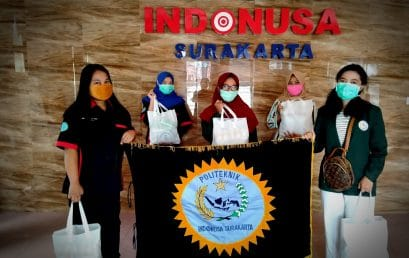 Penyerahan Bantuan Kepada Mahasiswa Luar Jawa dan Luar Negeri