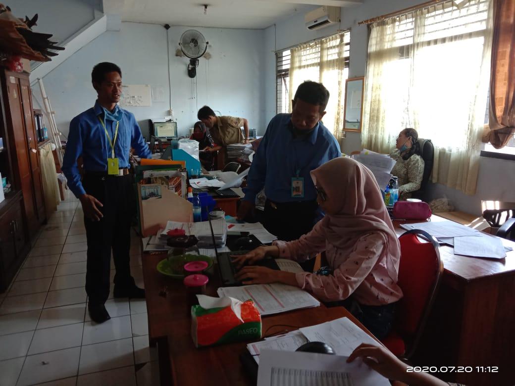Sosialisasi dan Pemanfaatan SIM-IKM Bagi Petugas di Dinas Perindustrian dan Perdagangan Kabupaten Sragen